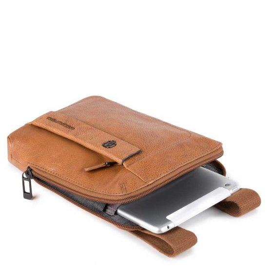 Компактна вертикална чантичка за рамо с отделение за iPad mini в черен цвят - Чанти за рамо и кръст