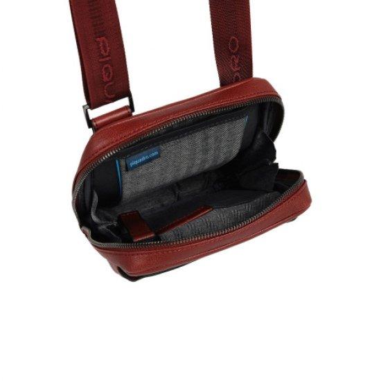 Black Square Вертикална чантичка за рамо с отделение за iPad®mini тъмно зелен цвят - Чанти за рамо и кръст